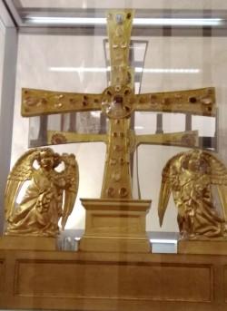 cruz de los angeles