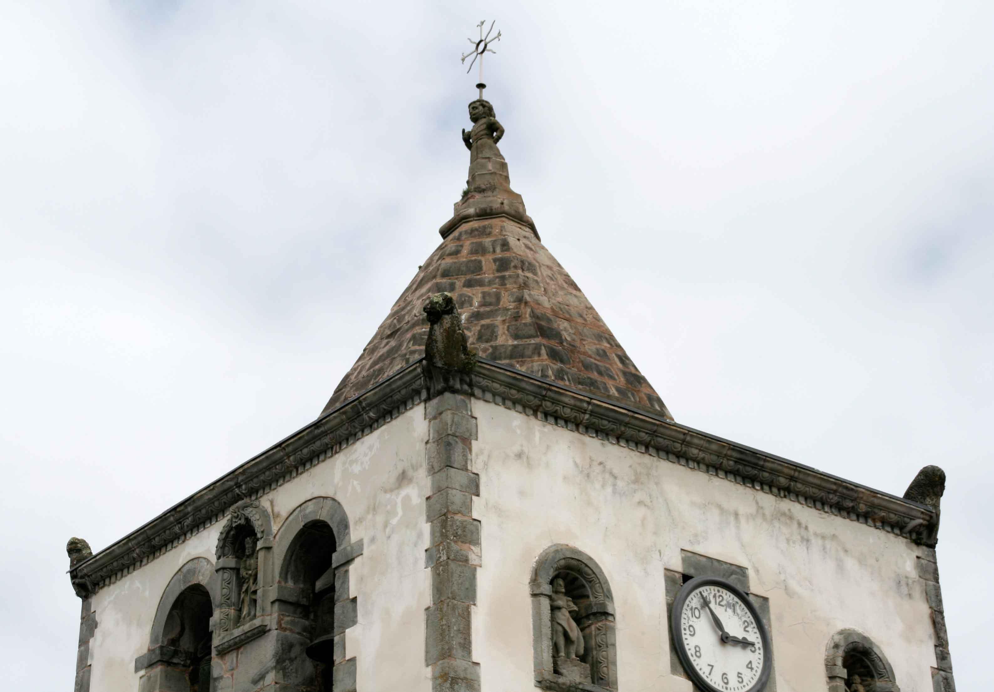 Detalles torre iglesia soto de luiña