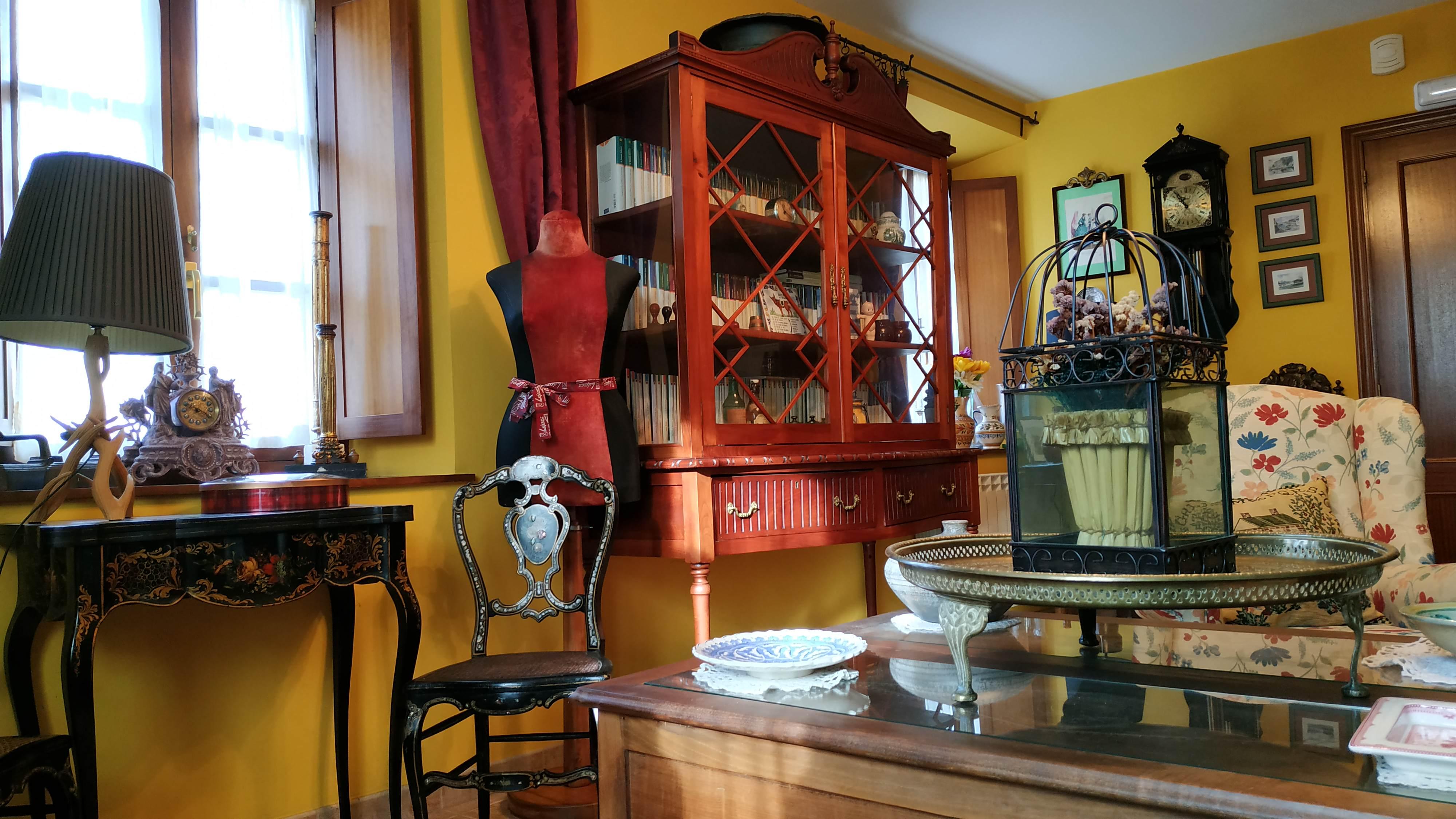 salon hotel casa vieja del sastre